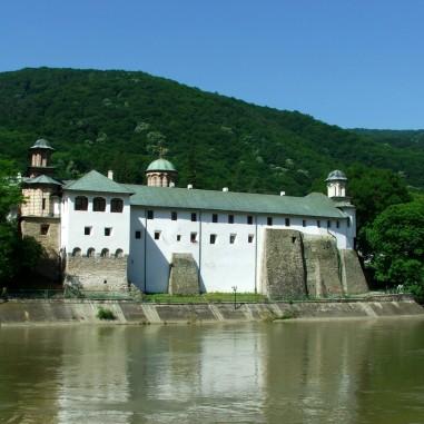 Mănăstirea Cozia - vedere exterioară